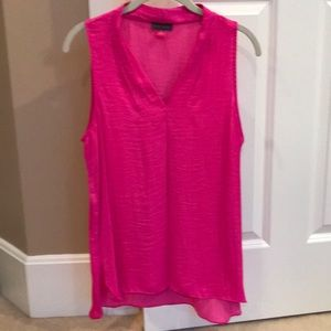 Vince Camuto Pleated V-Neck Tank Top in Fuchsia M